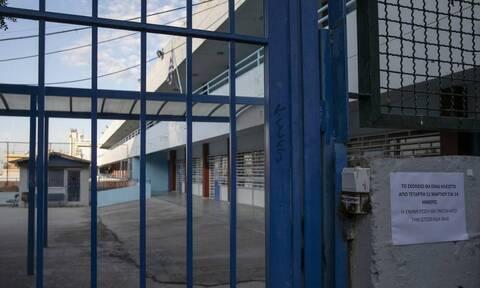 Κορονοϊός: Κόντρα Σπυράκη – Σαντορινιού για τα μέτρα στα σχολεία