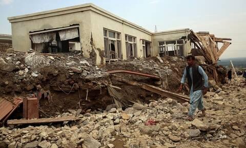 Αφγανιστάν: Τουλάχιστον 100 νεκροί από τις πλημμύρες – Καταστράφηκε η πόλη Σαρικάρ