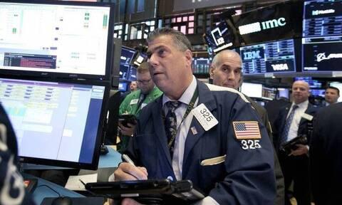 Κέρδη και ιστορικά ρεκόρ στη Wall Street