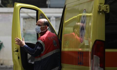 Κορονοϊός: Πανικός στο ΕΚΑΒ στην Καστοριά – Διασώστης βρέθηκε θετικός