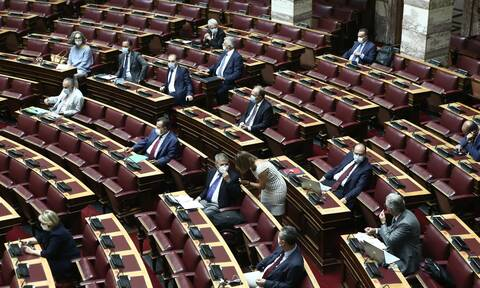 Βουλή: Τηλεφώνημα για βόμβα κατά την ψηφοφορία για την ΑΟΖ με την Αίγυπτο