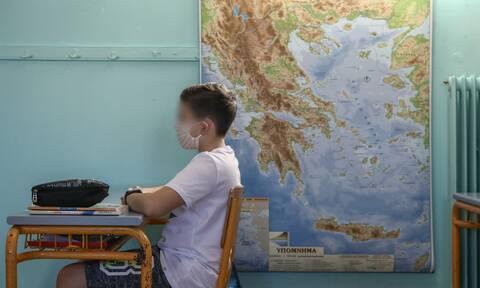 Κορονοϊός - Σχολεία: Αυτό είναι το νέο σενάριο για το άνοιγμά τους - Οι δύο ημερομηνίες