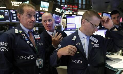 Wall Street: Πλησιάζει στο «σβήσιμο» των απωλειών του κορονοϊού ο Dow Jones