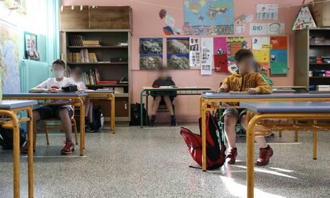 Κορονοϊός - ΚΕΔΕ: Κανένα παιδί και κανένας εκπαιδευτικός χωρίς μάσκα σε σχολεία