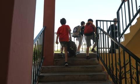 Σχολεία: Σκέψεις να ανοίξουν πρώτα τα Δημοτικά και μετά τα Γυμνάσια - Λύκεια - Τι εξετάζεται