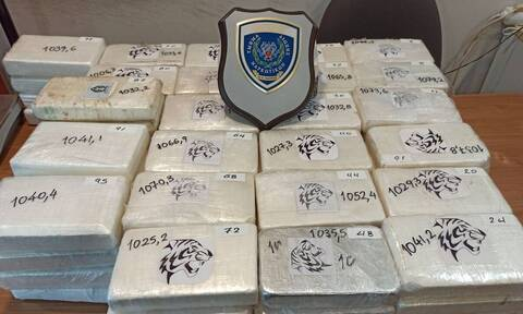 Πάτρα: Φορτίο «μαμούθ» σε φορτηγό - Κατασχέθηκαν πάνω από 100 κιλά κοκαΐνης