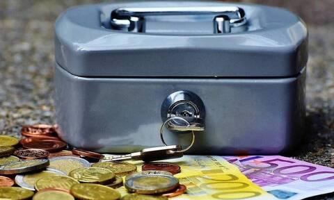 ΟΠΕΚΑ: Ξεκίνησε η πληρωμή του ΚΕΑ - Τα χρήματα στους λογαριασμούς των δικαιούχων