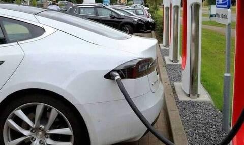 Ηλεκτροκίνηση: «Βροχή» οι αιτήσεις - Απορρόφηση 2,3 εκατ. ευρώ σε 3,5 ημέρες