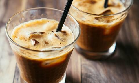 Προσοχή: Μην πίνεις καφέ το πρωί πριν από αυτή την ώρα!