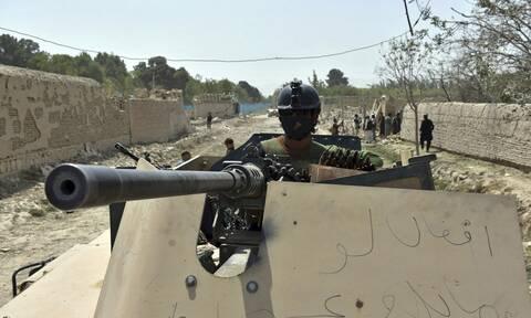 Αφγανιστάν: Δεκάδες Ταλιμπάν νεκροί - Ανακατάληψη βάσεων από αφγανικές δυνάμεις