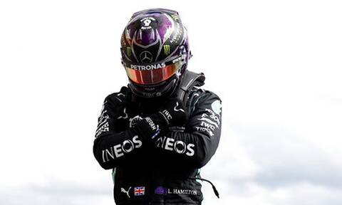 Formula 1: «Έσπασε» τα κοντέρ ο Χάμιλτον και τίμησε τον Μπόουζμαν (video+photos)