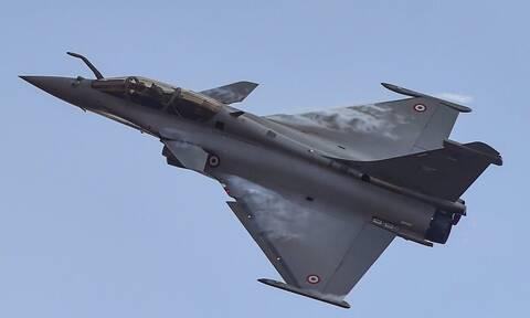 Σκάει «βόμβα»: Προσύμφωνο Ελλάδας – Γαλλίας για απόκτηση 18 μαχητικών αεροσκαφών Rafale