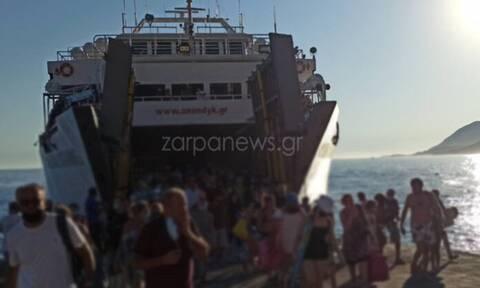 Απίστευτες εικόνες συνωστισμού σε πλοίο στα Χανιά - Έμειναν μέχρι και στο γκαράζ