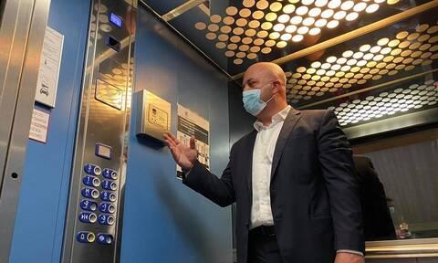 Κορονοϊός - Θεσσαλονίκη: Το ασανσέρ που σε... ακούει και δεν χρειάζεται να πατήσεις κουμπί