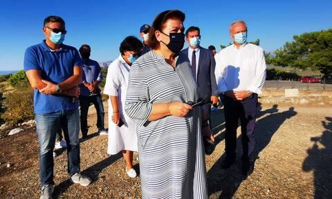 Μενδώνη για φωτιά στις Μυκήνες: Δεν υπέστη ζημιά ο αρχαιολογικός χώρος