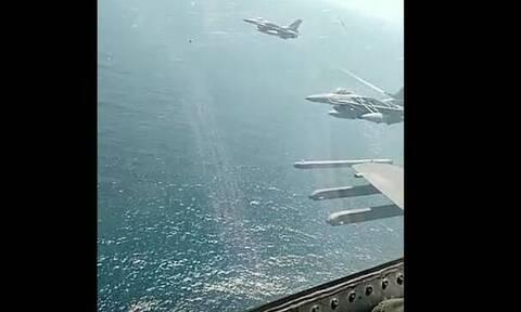 Συγκλονιστικό βίντεο: Εικόνα μέσα στο πιλοτήριο ελληνικού F-16 – Πώς χαιρέτησε τις φρεγάτες