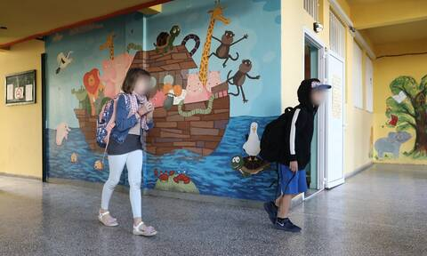 Κορονοϊός - Άνοιγμα σχολείων: «Κλειδώνει» το πρώτο σχολικό κουδούνι στις 14 Σεπτεμβρίου