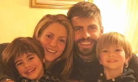 Shakira και Pique ποζάρουν μαζί στην πιο ωραία και σπάνια φωτό