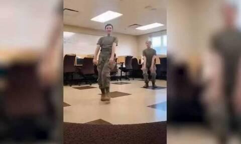 Χαμός με το χορό γυναικών στρατιωτικών στο Tik Tok (video)