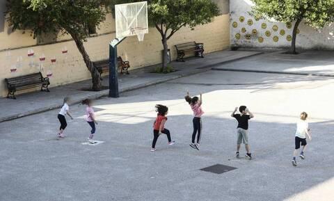 Κορονοϊός - Σχολεία: Τέλος οι σχολικές εκδρομές