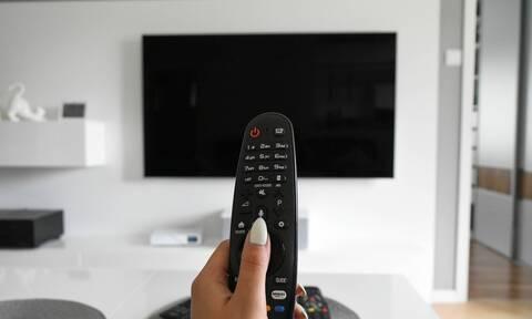 Αυτό είναι το κατάλληλο ύψος κι η ιδανική απόσταση για την τηλεόραση (pics)