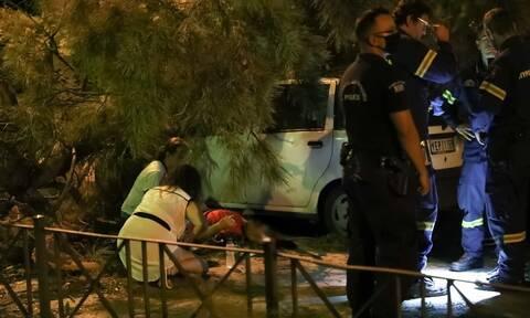 Χαλάνδρι: Πεζός τραυματίστηκε στο κεφάλι από πτώση δέντρου (pics)