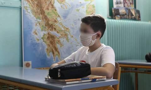 Κορονοϊός: Αυτή είναι η κατάλληλη μάσκα για τους μαθητές – Οδηγίες χρήσης