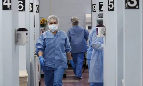 Κορονοϊός: Τέσσερις θάνατοι σε λίγες ώρες - Μεγαλώνει η λίστα των νεκρών της πανδημίας