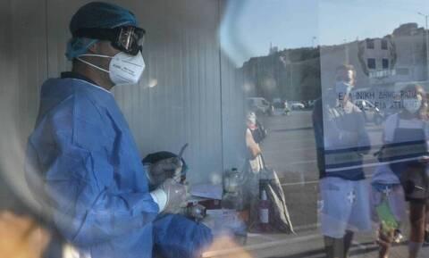 Κορονοϊός - Κομισιόν: Νοέμβριο το εμβόλιο κατά του ιού - Πόσες δόσεις θα πάρει η Ελλάδα