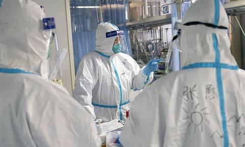 Κορονοϊός: 7.000 επαγγελματίες της υγείας έχουν χάσει τη ζωή τους από COVID-19