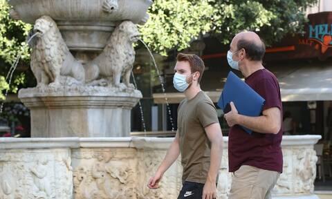 Κορονοϊός: Ο ιός πολιορκεί την Αττική - Συναγερμός για τα κρούσματα στις κλειστές δομές