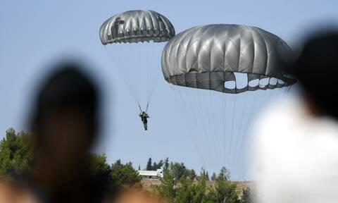 Τραγωδία στις Ένοπλες Δυνάμεις: Νεκρός αλεξιπτωτιστής μετά από πτώση