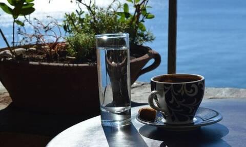 Κρήτη: Κακός χαμός σε καφενείο - Στα κρατητήρια ζευγάρι μετά από καβγά