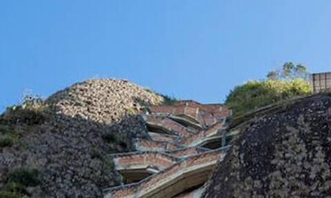 Δεν έχεις ανέβει πιο τρομακτικές σκάλες του κόσμου - Φοβάσαι μην πέσεις!