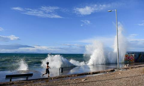 Ηλιόλουστος ο καιρός το Σάββατο - Μέχρι 8 μποφόρ οι άνεμοι στο Αιγαίο