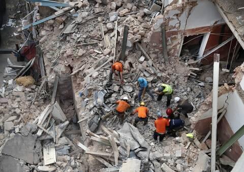 Βηρυτός: «Σβήνουν» οι ελπίδες για επιζώντες στα συντρίμμια της φονικής έκρηξης