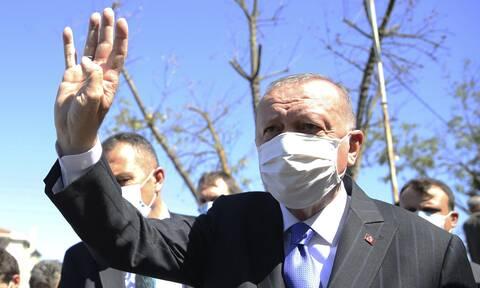 Απειλεί ο Ερντογάν: Αν δεν το καταλάβουν πολιτικά, θα το βιώσουν στο πεδίο της μάχης