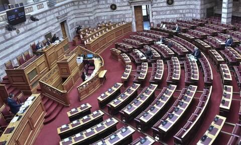 Βουλή: Κατατέθηκαν οι ΠΝΠ με τα μέτρα αντιμετώπισης των συνεπειών του κορονοϊού