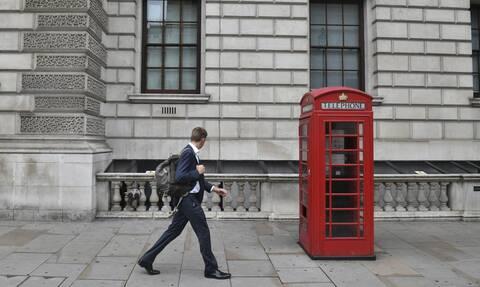 Κορονοϊός - Βρετανία: Καταγράφεται 2ο αρνητικό ρεκόρ κρουσμάτων σε ένα 24ωρο
