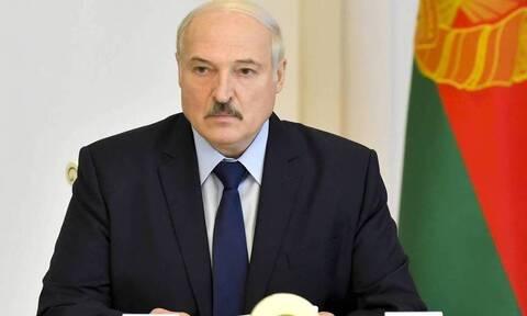 Λευκορωσία: Χιλιάδες άνθρωποι διαδηλώνουν στο Μινσκ και στις άλλες πόλεις κατά του προέδρου Λουκασέν