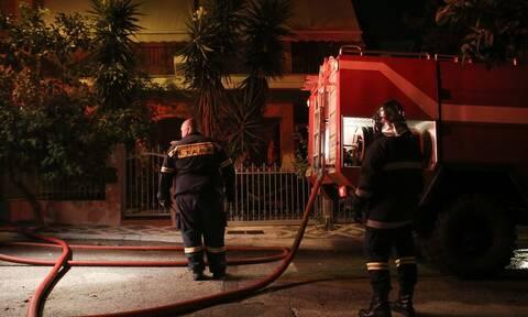 Αττική: Φωτιά διπλοκατοικία στο Περιστέρι
