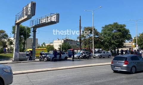 Θεσσαλονίκη: Άνδρας απειλεί ότι θα πηδήξει στο κενό από ταράτσα πολυκατοικίας
