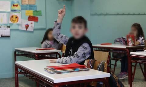 Παπαευαγγέλου: Τα παιδιά να πάνε σχολείο - Προβληματισμός για τα τεστ στα παιδιά