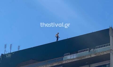 Θεσσαλονίκη: Παραδόθηκε ο άντρας που απειλούσε να αυτοκτονήσει