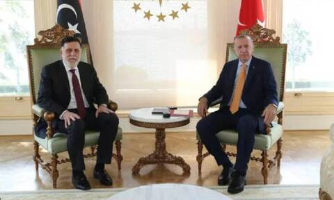 Τι ετοιμάζουν Ερντογάν και Σάρατζ: Συνάντηση και κεκλεισμένων των θυρών