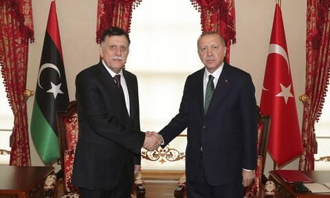 Τουρκία: Ο Ερντογάν ανανέωσε την υποστήριξή του στην κυβέρνηση της Λιβύης