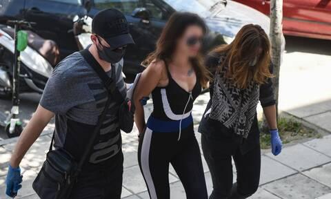 Θεσσαλονίκη: Αναβλήθηκε η δίκη της «παρουσιάστριας» για την επίθεση στον Χαρδαλιά