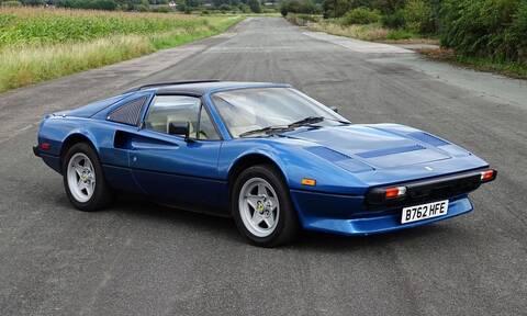 Ποιος ροκ σταρ οδηγούσε αυτήν την κλασική Ferrari;