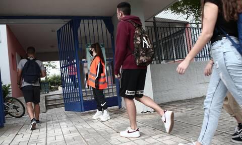 Κορονοϊός - Δερμιτζάκης: Ας αναλάβουν οι γονείς την ευθύνη της μη χρήσης μάσκας στο σχολείο