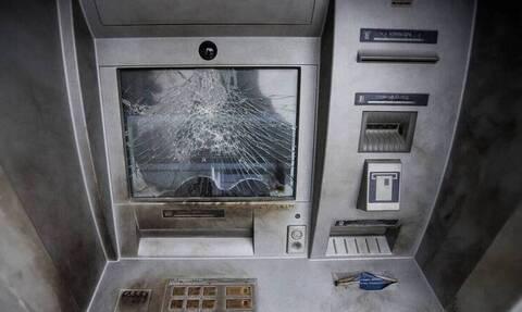 Κόρινθος: Έκρηξη σε ΑΤΜ - Οι δράστες διέφυγαν με δύομοτοσυκλέτες